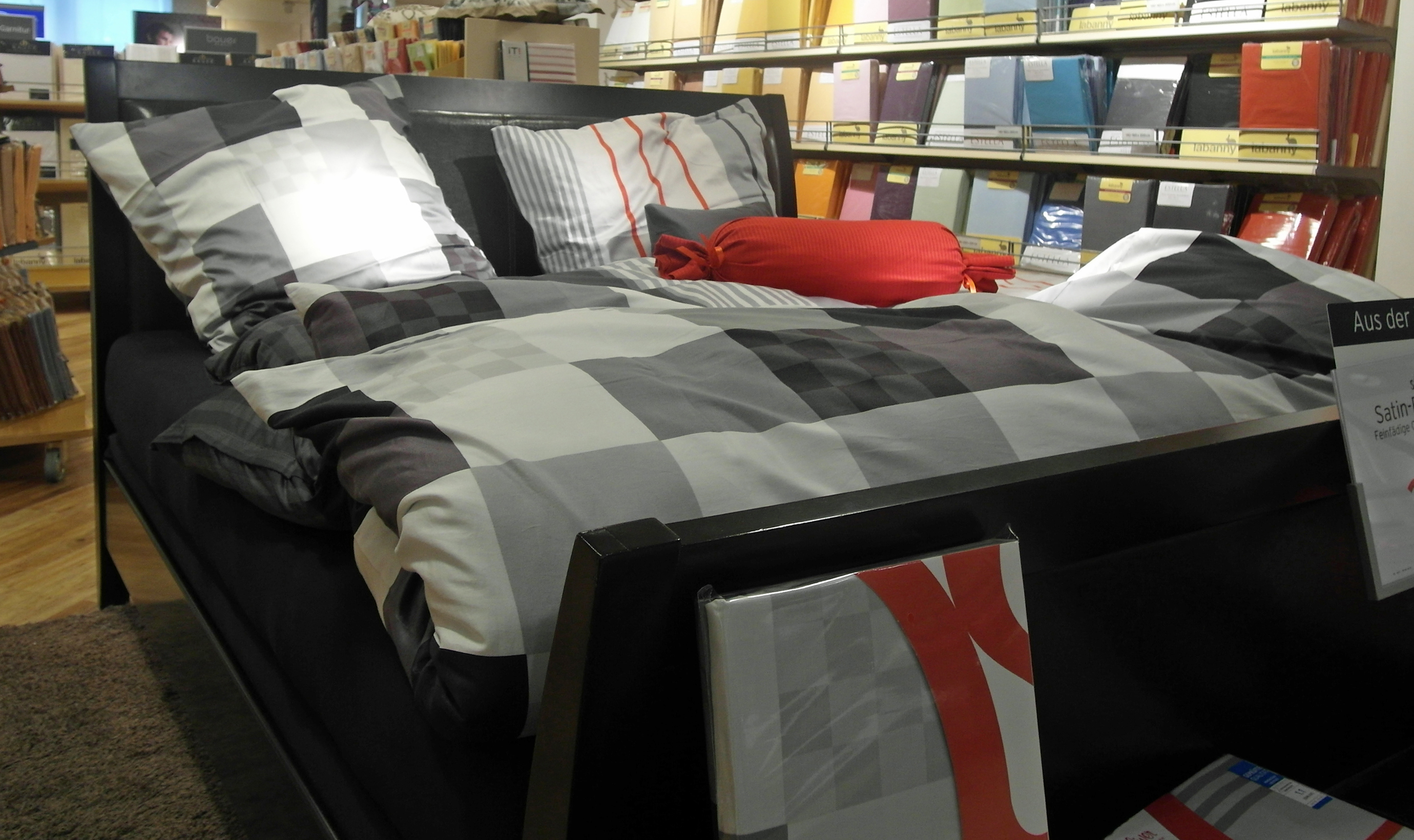 hochwertige bettwaren zu schn ppchenpreisen outlet und fabrikverkauf in deutschland. Black Bedroom Furniture Sets. Home Design Ideas