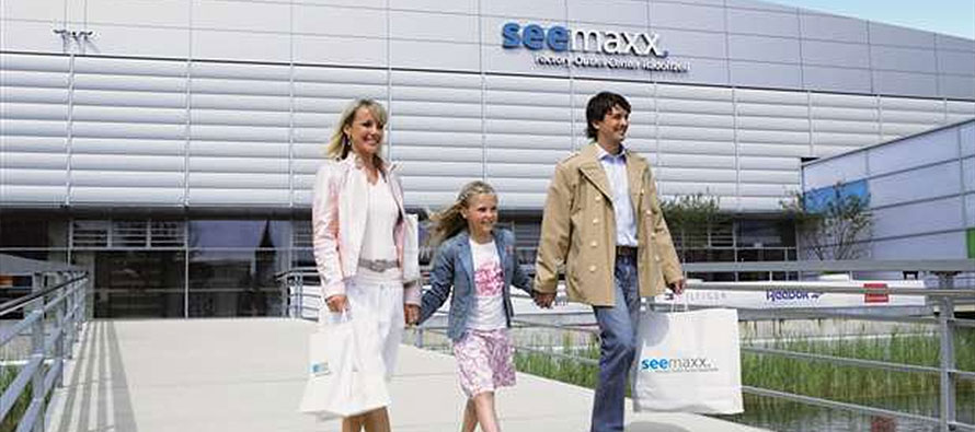 Seemaxx factory outlet center radolfzell das kleine for Sessel outlet und fabrikverkauf